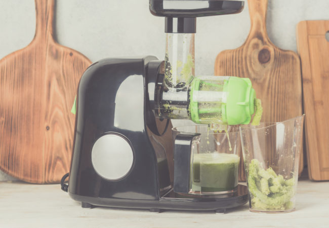 What is a Masticating Juicer: The Real Benefits of Cold Pressed Juice