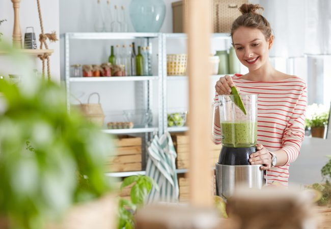Best Blenders for Green Smoothies: Reviews and 2020 Buyer's Guide
