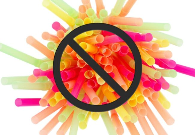5 Reasons Why You Shouldn't Be Drinking From A Plastic Straw